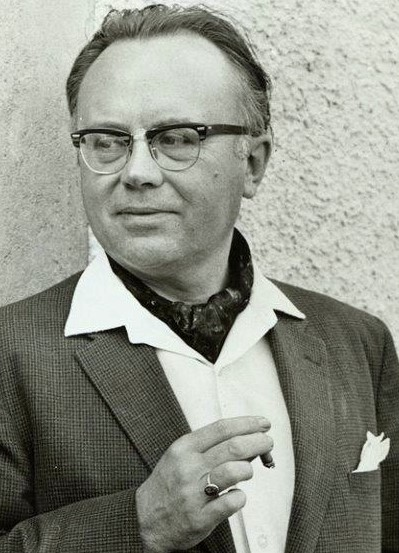 Russell-Kirk-with-cigar